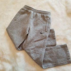 Nike boy sweatpants gray size 6